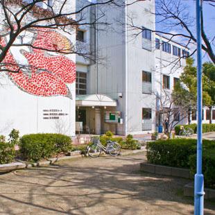 此花区民ホール[役所・図書館・区民ホール]の写真