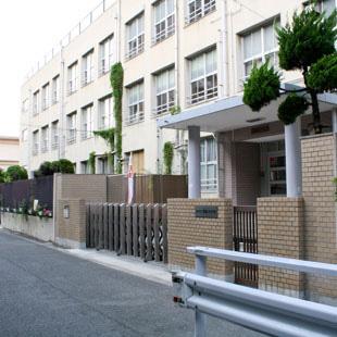 酉島小学校[学校・幼稚園・子育て施設]の写真