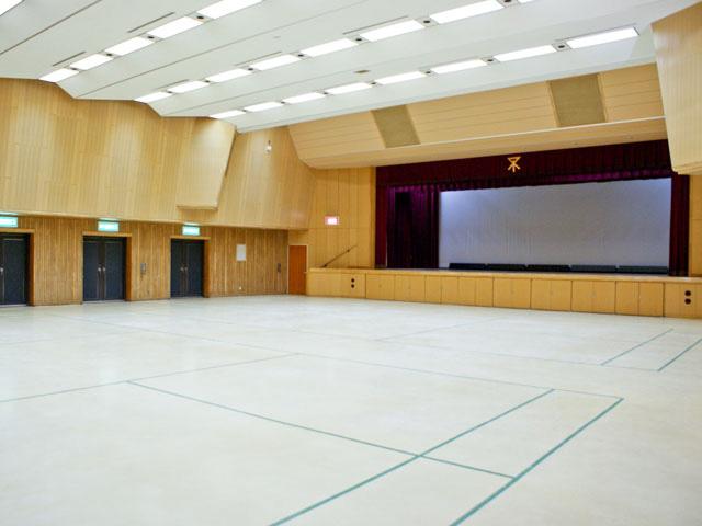 区民ホールの写真