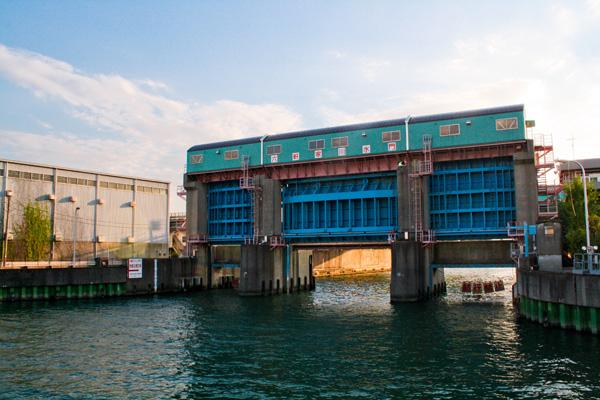 六軒家川水門の写真